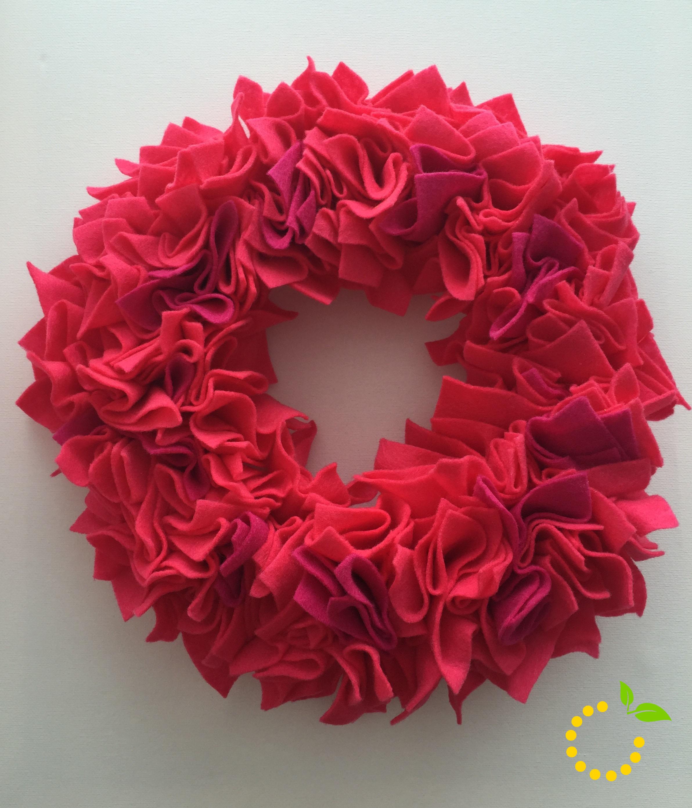 Wreath Valentine's DIY - sweetlemonmade.com