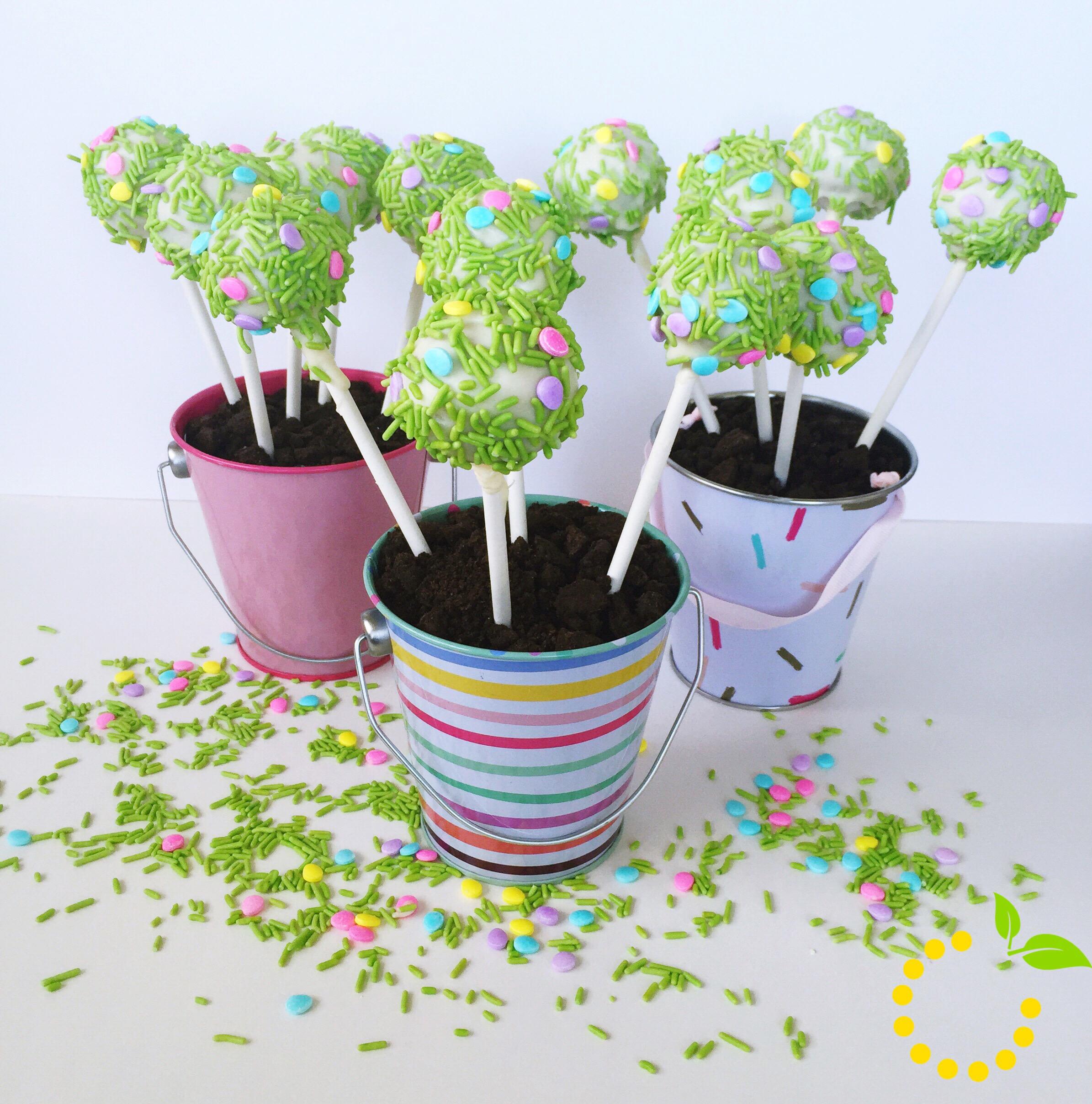 Spring Flower Cake Pops sweetlemonmade.com
