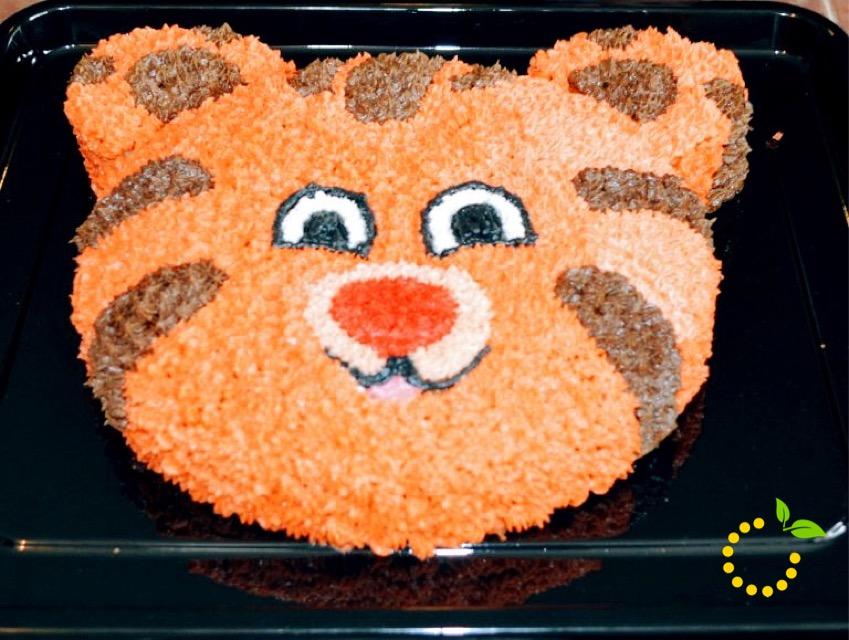 Daniel Tiger Cake sweetlemonmade.com