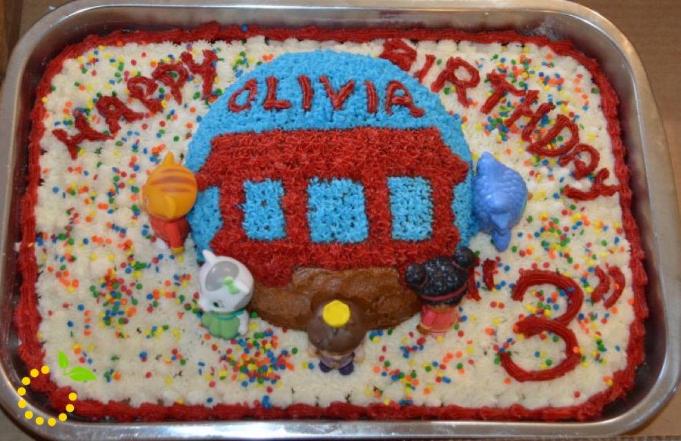 Daniel Tiger Trolley Cake sweetlemonmade.com